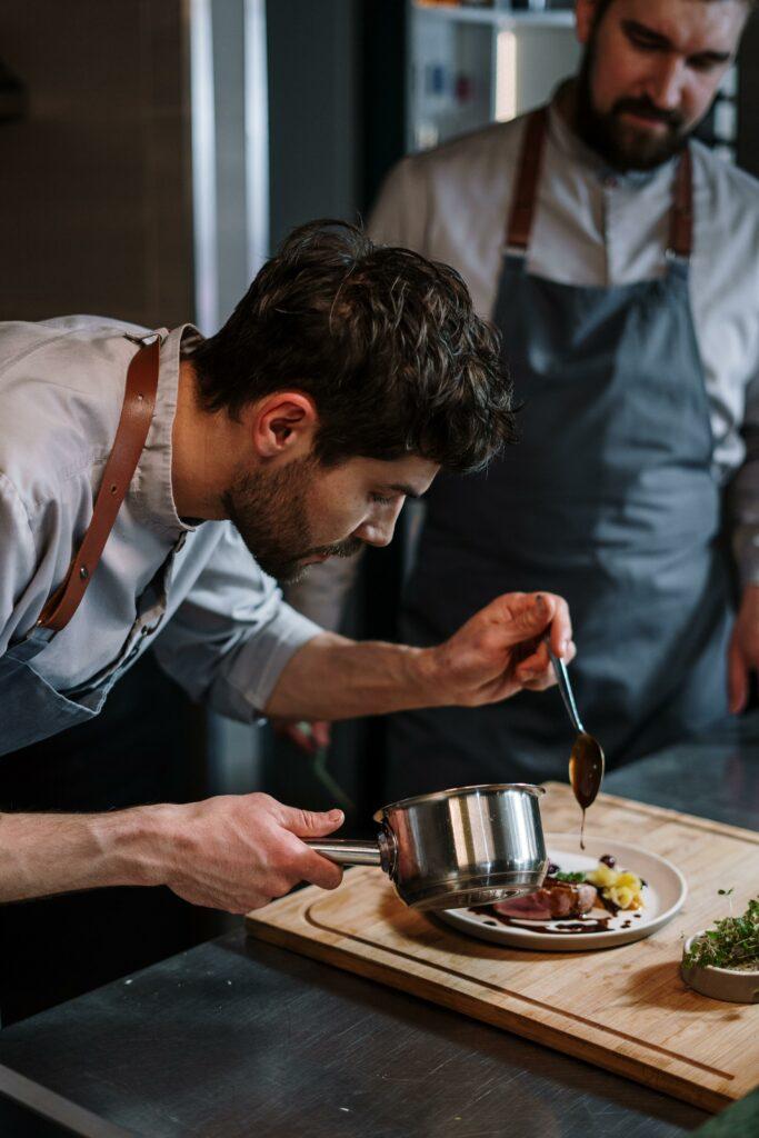 corso di cucina per la giornata mondiale dell'uomo